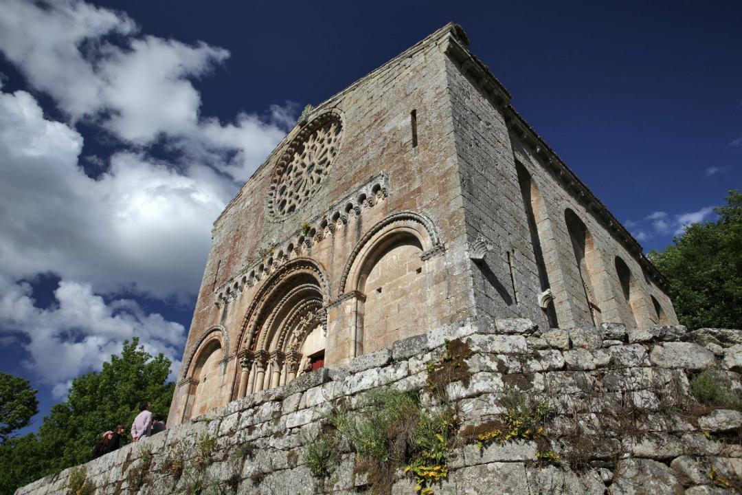 Resultado de imagen de Monasterio de San Esteban (Ribas de Miño